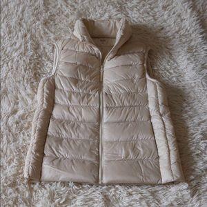 Uniqlo ultra lightweight down vest